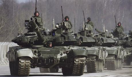 Россия использует «режим тишины» в свою пользу и собирает еще больше военных ресурсов