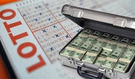Везет же людям! Американка первый раз купила лотерейный билет и сорвала джек-пот