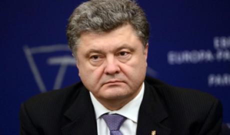 Военным комиссарам стоит тщательней отбирать призывников, – Порошенко
