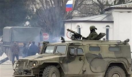 Россия увеличивает количество войск в Крыму, — Шойгу