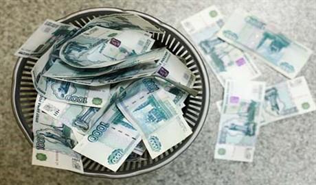 Российский рубль, как и Путин, продолжает терять свою силу