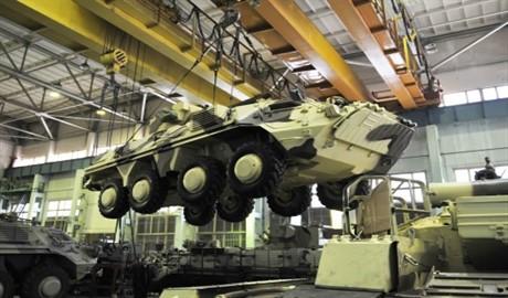 Танковые заводы в Украине будут работать в три смены, — Порошенко