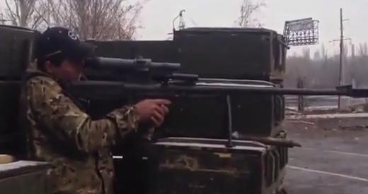Боевики изучают российскую винтовку АСВК