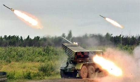 Террористы вновь обстреляли с «Градов» Донецкий аэропорт