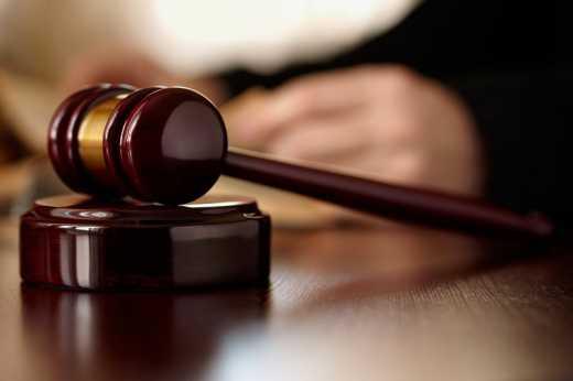 Украинский суд заочно арестовал Януковича и Азарова, – пресс-служба Генпрокуратуры