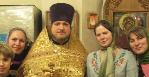 РПЦ — православная Аль-Каида: Российские поп стреляет православных украинцев на Луганщине