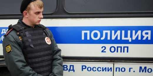 В Москве задержали людей, которые слушали гимн Украины в своей машине