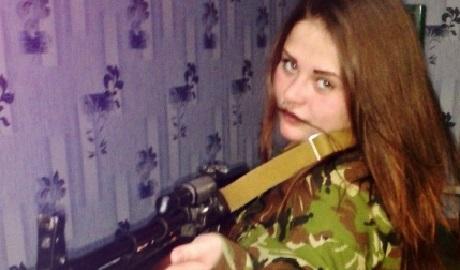 """СБУ задержала 19-летнюю снайпершу """"ДНР"""", на ее счету не менее 10 украинских бойцов ФОТО"""