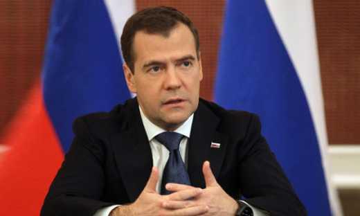 Премьер-министр РФ Дмитрий Медведев признал, что российская кризис связан с аннексией Крыма