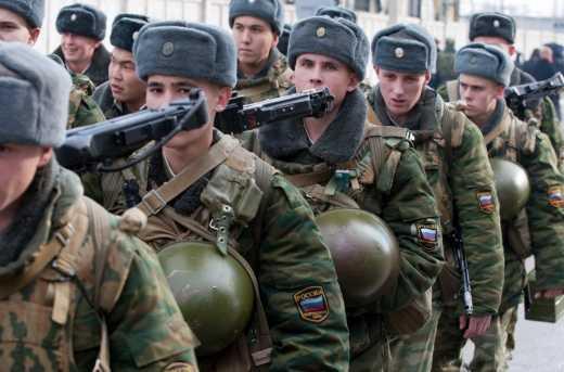 У Москвы заканчиваются солдатики: Кремль перебрасывает 3000 солдат из Таджикистана на границу с Украиной