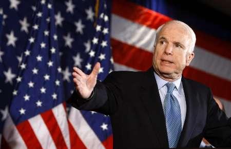Маккейн пообещал, что в 2015 году помощь Украине со стороны США будет более ощутимой