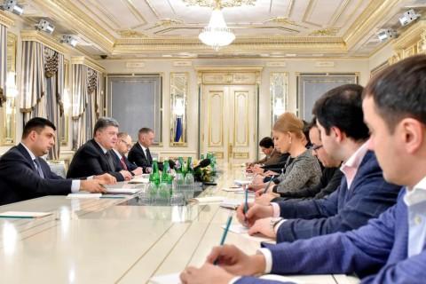 Президент Украины желает аннулировать депутатскую и ограничить судейскую неприкосновенность