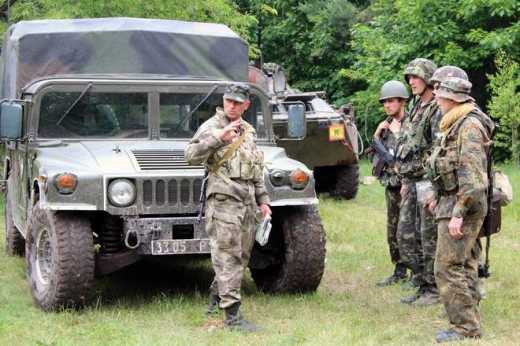Военные РФ обоср**сь и теперь оставляют свою технику, чтобы отвлекши артиллерию ВСУ спокойно убежать, — житомирские десантники