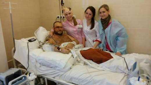 После операции, находясь под наблюдением врачей, Ярош проводит встречи со своими избирателями, — СМИ