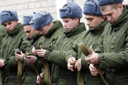 А каморка Путина пуста: Воевать на Донбасс отправляют восемнадцатилетних ребят