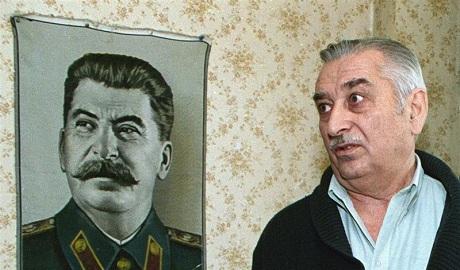 Внук Сталина назвал политику Путина безмозглой, и осуждает аннексию Крыма