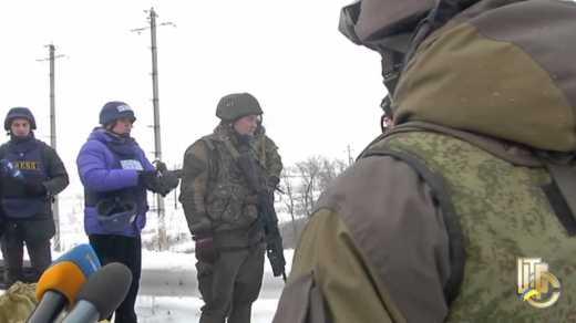 Украинский генерал поставил террористов на место во время ротации в Донецкий аэропорт