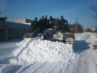 Русский солдат приехал на блок-пост ВСУ, чтобы продать свой танк