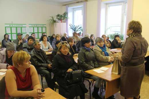 Волонтеры по-русски: В РФ во время родительских собраний в школах раздают список обязательных покупок для солдат на Донбассе