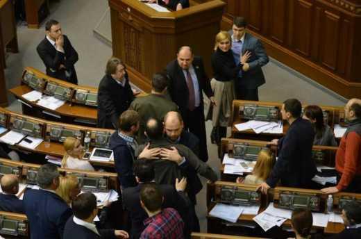 Драка против коррупции: В Верховной Раде подрались Егор Соболев и Вадим Ивченко
