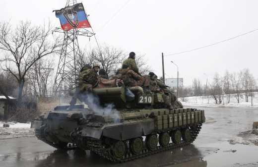 Танки террористических войск РФ штурмуют опорные пункты под Дебальцево, артиллерия ВСУ молчит из-за перемирие