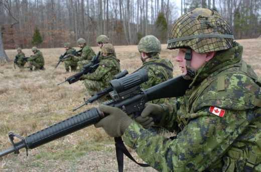 Канада заявила о готовности обучать украинских офицеров в своих академиях