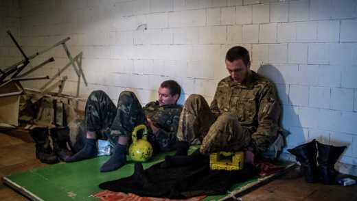 Террористы обзванивают родных военнослужащих, попавших в плен и предлагают за деньги решить вопрос освобождения