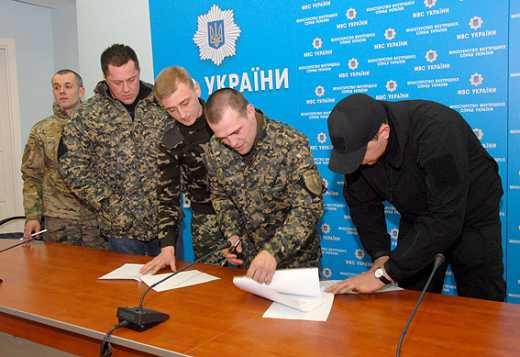 Командиры добровольческих батальонов посоветовали Семенченко заняться реальной работой и перестать пиариться