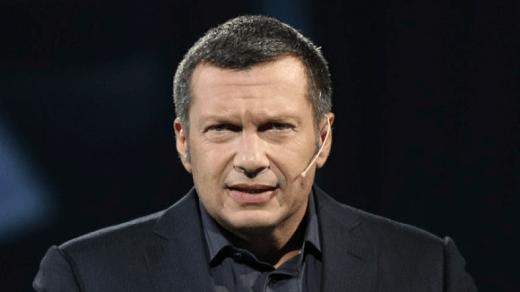 Владимир Соловьев, еще в 2008 году высокомерно заявлял о планах Кремля аннексировать Крым и начать войну на Донбассе