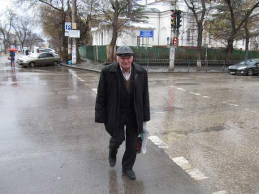 Гейропа, гейропа тут пидарасов полный город,а они гейропи боятся: Донецкий пенсионер после конфликта с боевиками