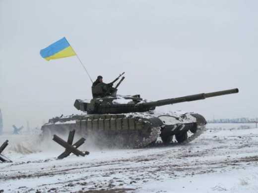 Украинские танки, прорывавшиеся из окружения в Дебальцево намотали на гусеницы 50 кадыровцев