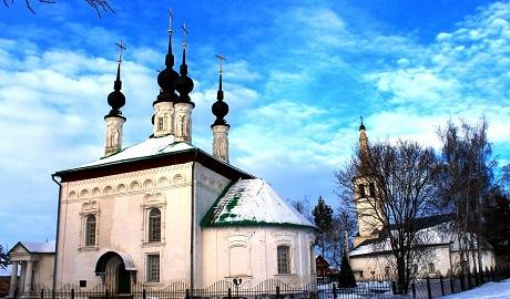 В России судебные приставы силой изъяли из храма мощи святых ВИДЕО