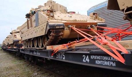 Военную технику НАТО в Прибалтике перебрасывают на российских платформах ФОТО