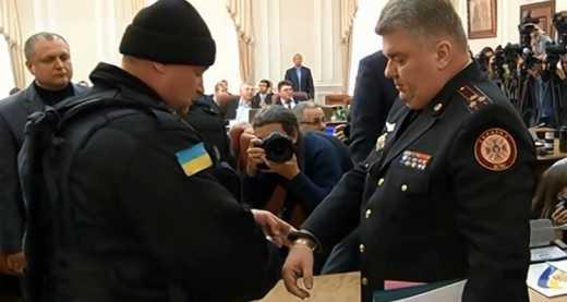 Задержанного на заседании правительства председателя ГСЧС уже отпустили