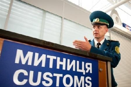 Чтобы преодолеть коррупцию на таможне Петр Порошенко сменит руководство