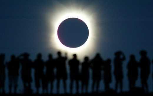 Масштабное солнечное затмение последних 16 лет. Онлайн
