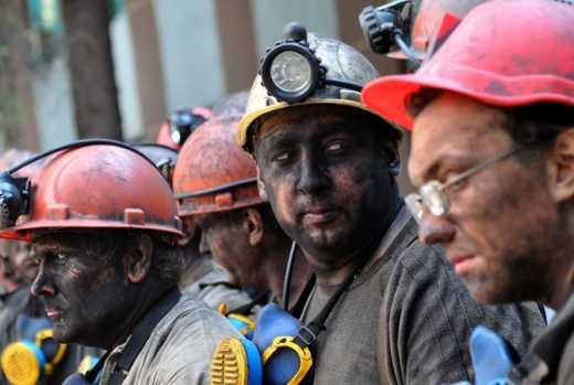 Террористы Донбасса отказались пропустить украинских спасателей на шахту Засядько, где произошла авария