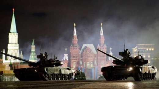 Путин обосра*ся, или Россию ждет военный переворот: В Москву начали свозить военную технику
