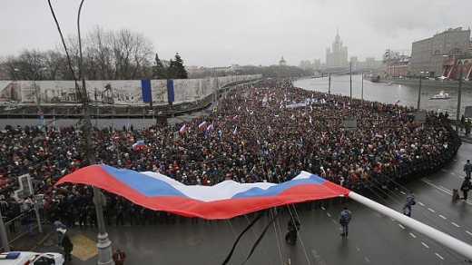 """Россияне вы зачем там """"Герои не умирают"""" написали у себя?: У нас вместо убитого вставало 100, а ваши герои умерли все"""