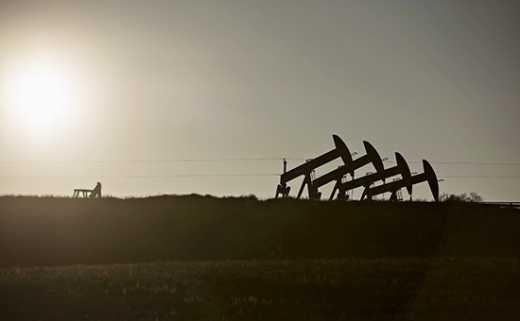 Бензоколонке под названием РФ конец: США впервые с 1900 года добыло рекордное количество нефти
