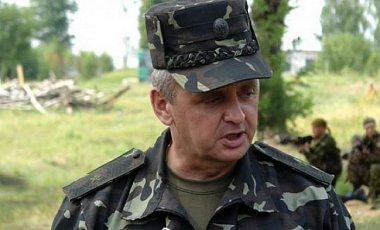 Боевые офицеры требуют от Порошенко отставки начальника Генштаба Виктора Муженко, – Бутусов