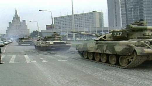 На трассах, примыкающих к Москве замечены колонны военной техники, – блогер