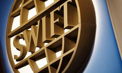 Запад готовится обвалить экономику РФ? Выход западных компаний с рынка России – это подготовка отключение РФ от системы SWIFT
