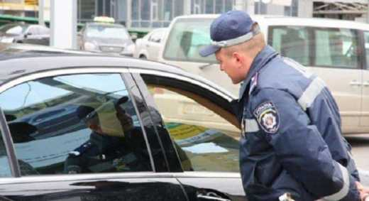 Борьба с коррупцией в ГАИ: Взял взятку, беги