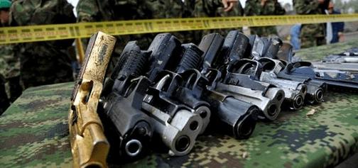 Вблизи места убийства Немцова, водолазы достали из Москвы-реки два пистолета
