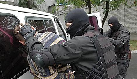Луганским МВД обезврежена преступная группировка «экс-айдаровцев» с целым арсеналом оружия и боеприпасов