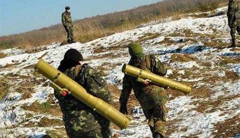 В районе Новоорловки неопознанная разведгруппа уничтожила машину с боевиками ДНР