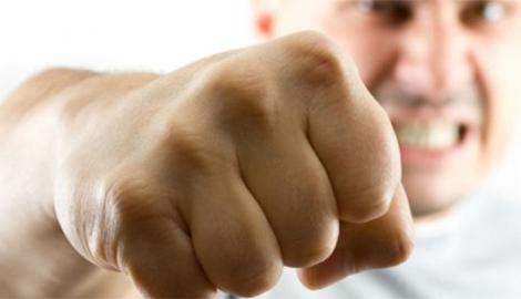 """Бьет-  значит любит? Жестоко избивший жену боевик """"ЛНР"""", """"отмазался"""" от наказания """"боевыми заслугами"""""""