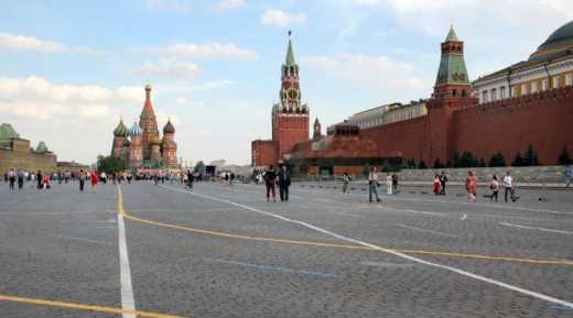 На Красной площади в Москве монтируют сцену