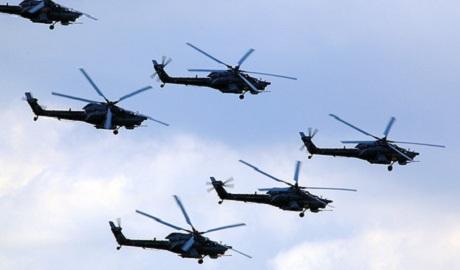 Над Киевом замечены 12 неизвестных вертолетов